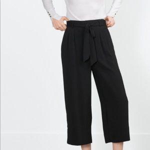 New Zara cropped pants ties at waist